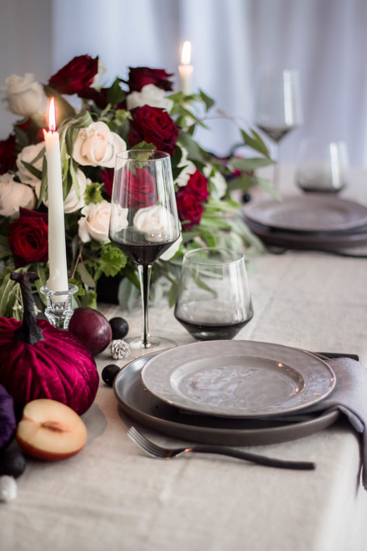 DARK AND MOODY TABLESCAPE WITH JEWEL TONES